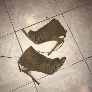 Steve Madden Alayna suede heels size 8.5